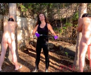 Während einer Session im Garten von Casa Dolorosa - the kinky place for BDSM auf Teneriffa!